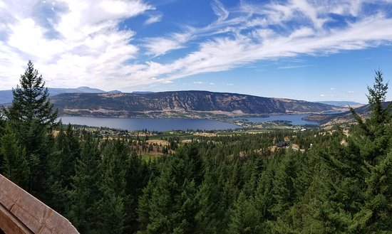 Lake Country, Canadá: View from one of the zipline towers