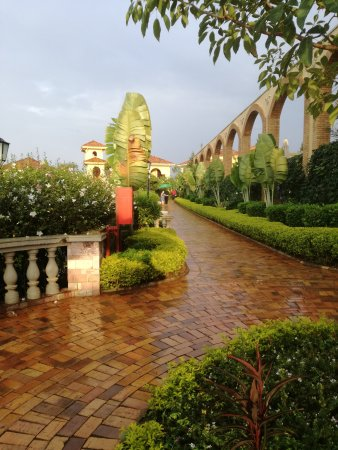 Lake Victoria Serena Golf Resort & Spa: Room in side buildings