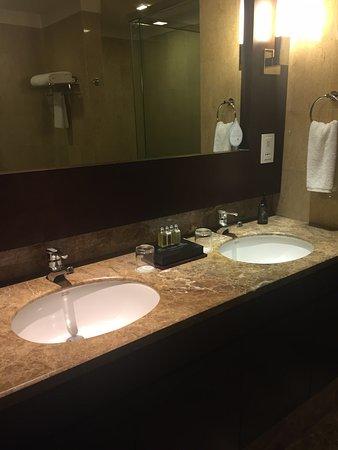 Ascott Kuala Lumpur : Clean bathroom