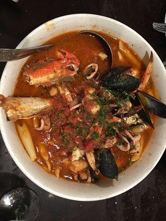 Sotto Mare Oysteria & Seafood : Cioppino