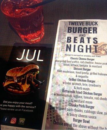 East Maitland, أستراليا: Thursdays Burger Night @ The George