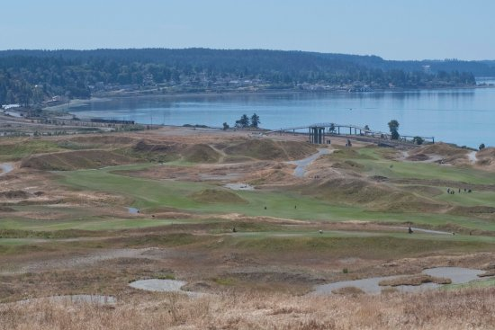 University Place, WA: Golf course and water view