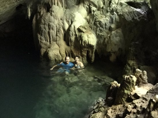 Sandys Parish, Βερμούδα: Swimming in the cave