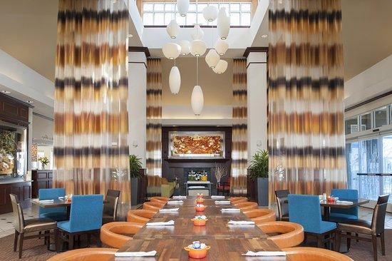 Hilton Garden Inn St. Paul/Oakdale - The Garden Grille & Bar