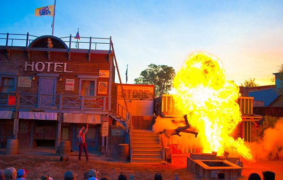 Pinnacle Peak Pistoleros Wild West Stunt Show