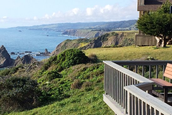 Point Arena, Калифорния: Blufftop view from Irish Beach to the north