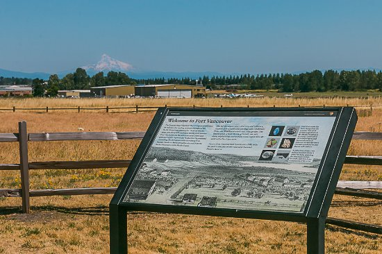 Fort Vancouver National Historic Site : Info sign overlooking Pearson Field with Mt. Hood in the background