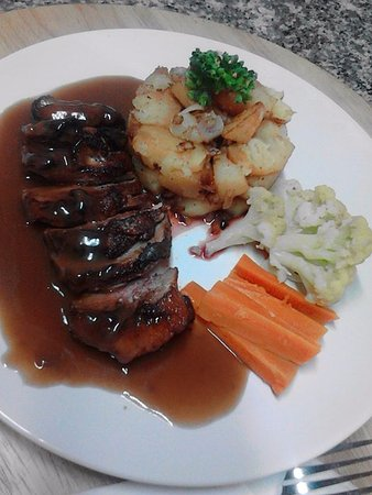 Saraphi, Thailand: duck breast