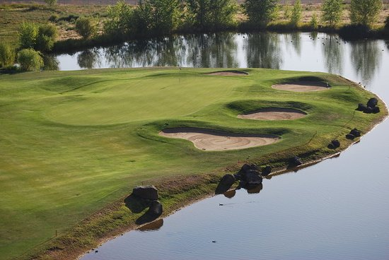 Holiday Inn Express & Suites Nampa at the Idaho Center: Golf Course