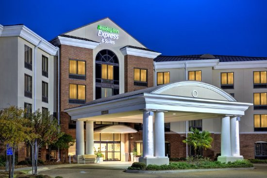 Flowood, MS: A view of our hotel exterior in the evening