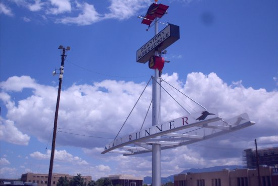 New Mexico Rail Runner : the sign says