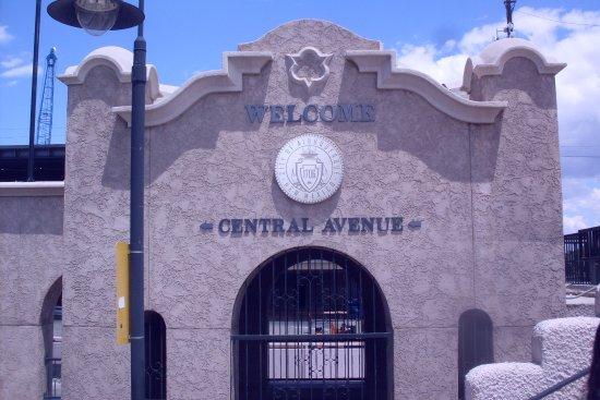 New Mexico Rail Runner : ABQ Central Avenue station