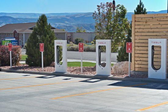 Richfield, UT: State of the Art Tesla Charging Station