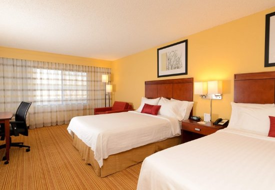 Hagerstown, MD: Queen/Queen Guest Room