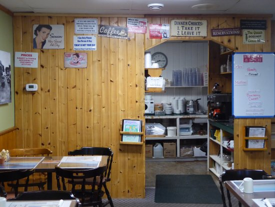 Marydale's Family Restaurant: Funny signs by the kitchen