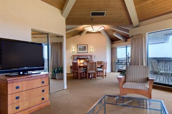 Bloomingdale, IL: Penthouse Suite