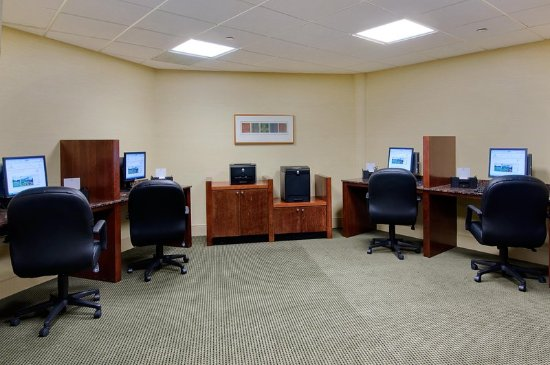 Bloomingdale, IL: Business Center