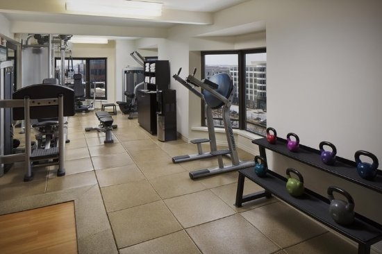 Rosemont, IL: Fitness Center Weights