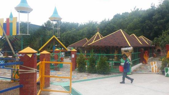 Touching Zoo Vesyolaya Ferma