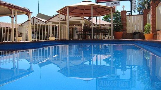 Dalby, Australia: Pool and Gazebo