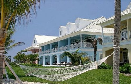 West End, Grand Bahama Island: Exterior