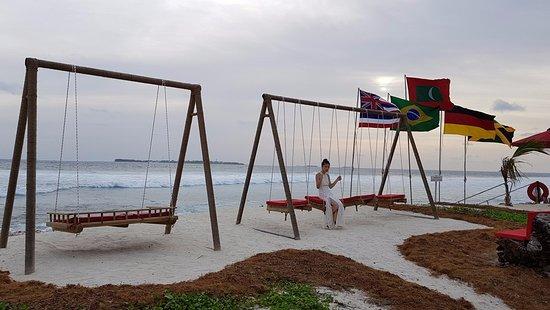 Niyama Private Islands Maldives: Surf Shack - Surfing & Bar