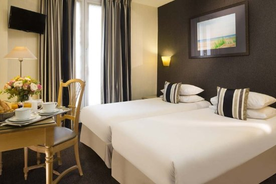 Chambre Double Classique ( - Picture of Hotel Albert 1er, Paris ...