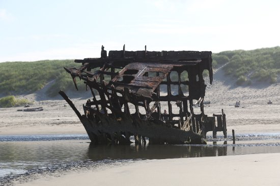 Peter Iredale: ironsides :)