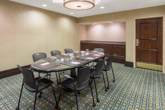 Bridgeton, Missouri: Lafayette Boardroom