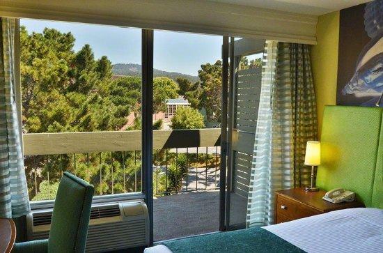 Carmel Mission Inn & Fuse Lounge Café: Guest room
