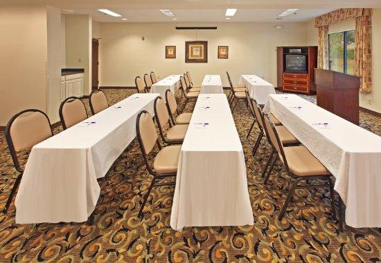 Holiday Inn Express Camden: Meeting Room