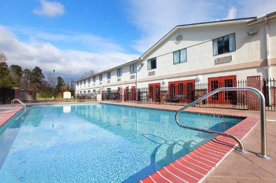 Holiday Inn Express Camden: Swimming Pool