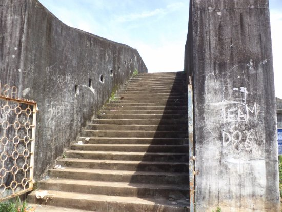 Sultan Battery: The stairs