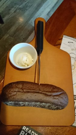 Outback Steakhouse: 黒パン