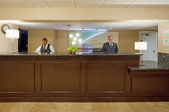 Peabody, MA : Front Desk