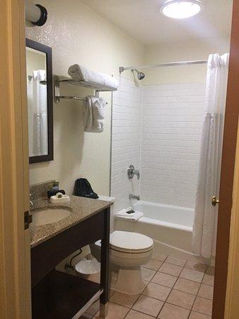 Eagle, CO: Clean Bathroom