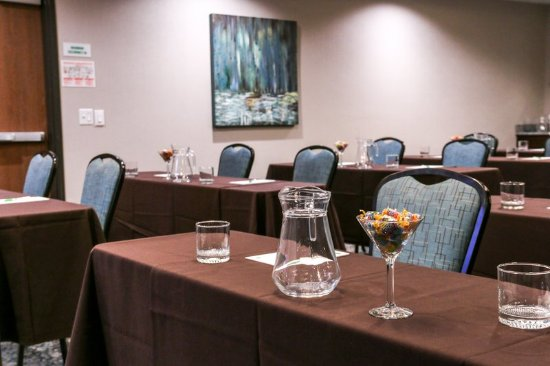 Centennial, CO: Hotel Offers Flexible Meeting Space