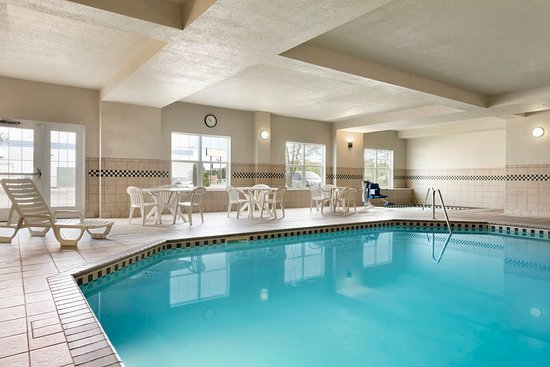 Saint Cloud, MN: Pool
