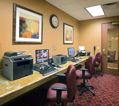 East Peoria, IL: Business Center
