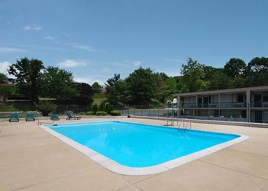 Takoma Park, MD: Pool