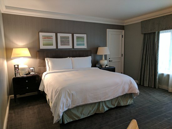 four seasons hotel chicago updated 2017 prices reviews. Black Bedroom Furniture Sets. Home Design Ideas