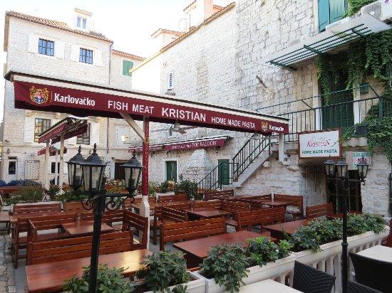 Konoba Kristian: 店の外観