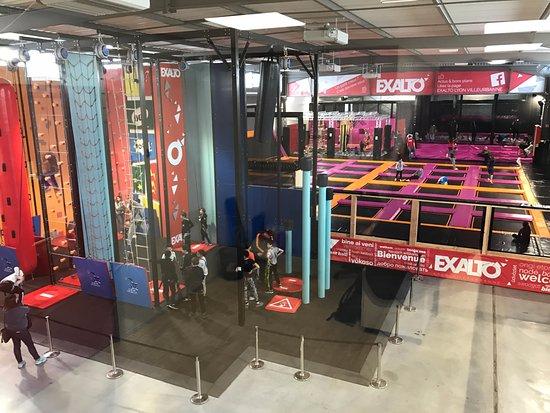 Exalto Lyon Villeurbanne - multiplex de loisirs indoor. #trampoline #funclimb #LaserGame #VR