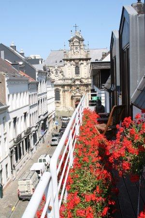 Brussels Welcome Hotel: vue du balcon de la DELUXE SUPÉRIEURE BALI