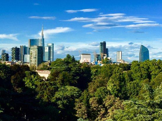 La spettacolare vista dello skyline di Milano - Picture of ...