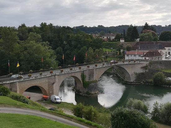 Navarrenx, فرنسا: IMG_20170723_190221_large.jpg