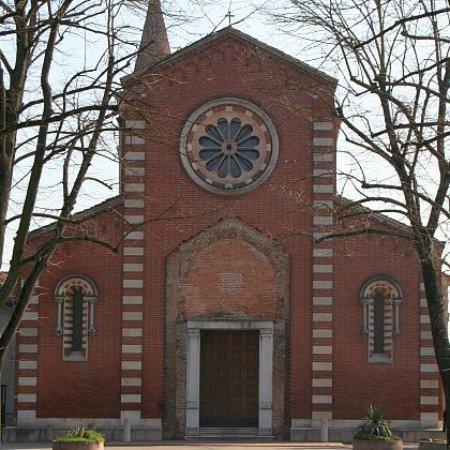 Gonzaga, Italia: chiesa di san benedetto abate recentemente restaurata e riaperta dopo 5 anni dal terremoto del 2