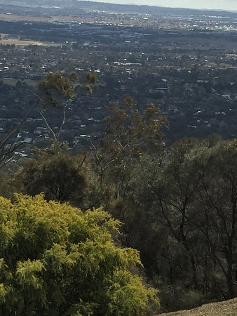 how to get to mount ainslie lookout