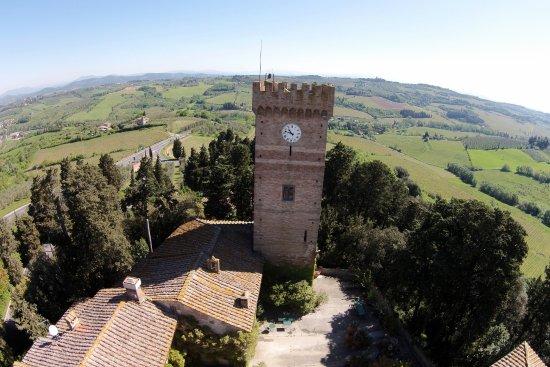 Montespertoli, Italy: La torre del Castello Sonnino