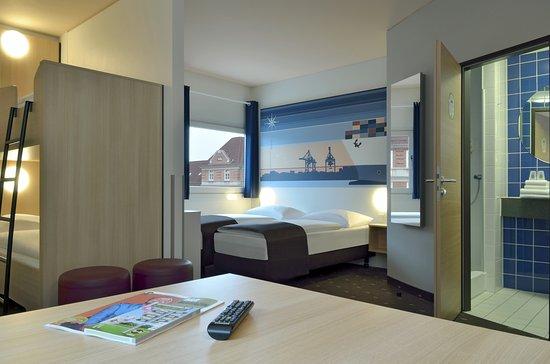 zimmer mit französischem bett - bild von b&b hotel hamburg-altona, Hause deko